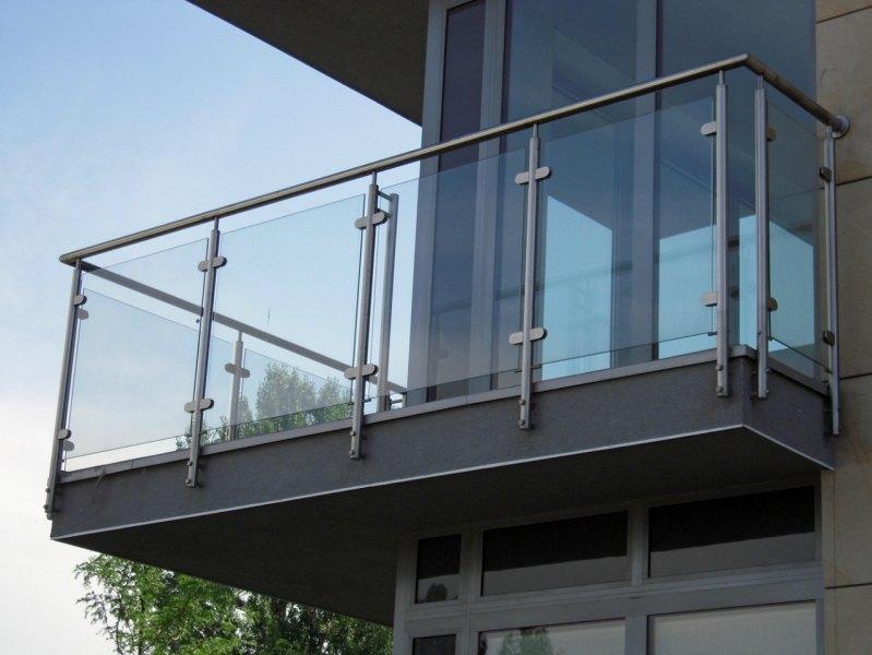 Balustrady nierdzewne ze szkłem Realizacje dla klientów indywidualnych