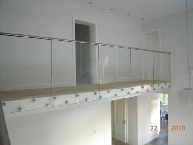 Balustrady samonośne szklane Realizacje dla klientów indywidualnych