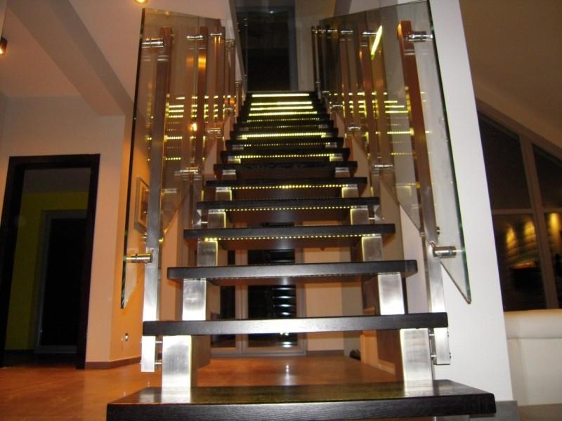 Zalety schodów stalowych do nowoczesnych wnętrz Blog